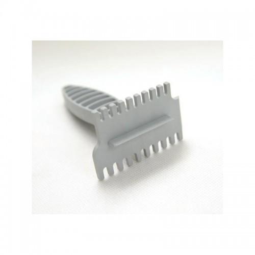 Скребок для решеток усиленый пластиковый